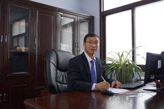 总务处副主任:刘竞选(负责后勤处日常工作)