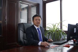 党支部书记:郑成森(分管党务、行政、工会工作)
