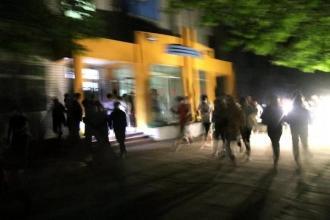 郑州二十九中举行夜间安全疏散演练